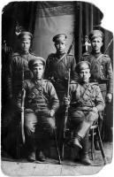 Пингишане в царской армии. 1915 год. Во втором ряду слева Д.Ф.Дроздов