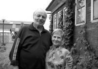 Е.И.Овсянкин и Л.А.Кузнецова. д.Фёлово (Пингиша) 2007 г.